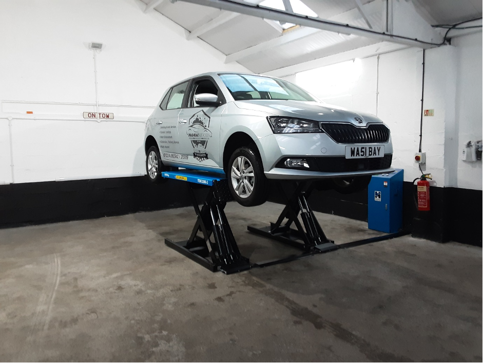 When your garage is all about detail, a clean and slick scissor lift install is exactly what you need - presenting The Washbay in Aberdeen.