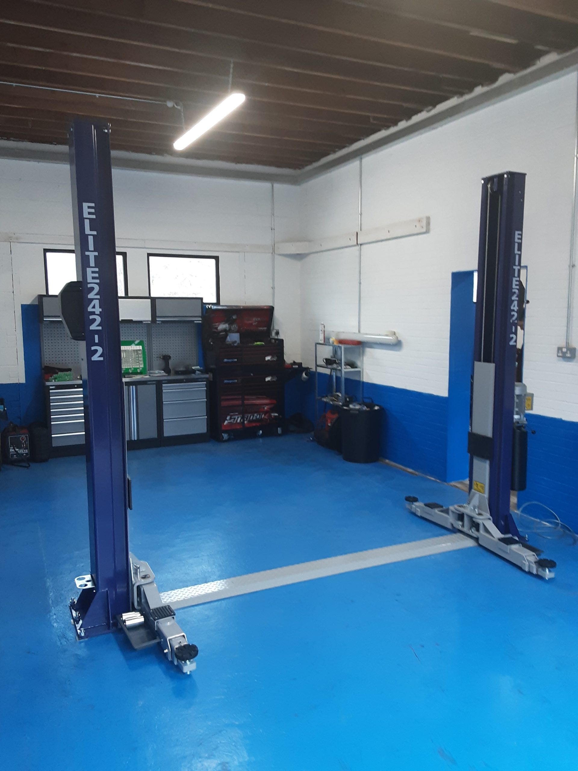 Our expert install team fitted two brand new Elite 242 Two Post Lifts at JS Autoworks in Canterbury.