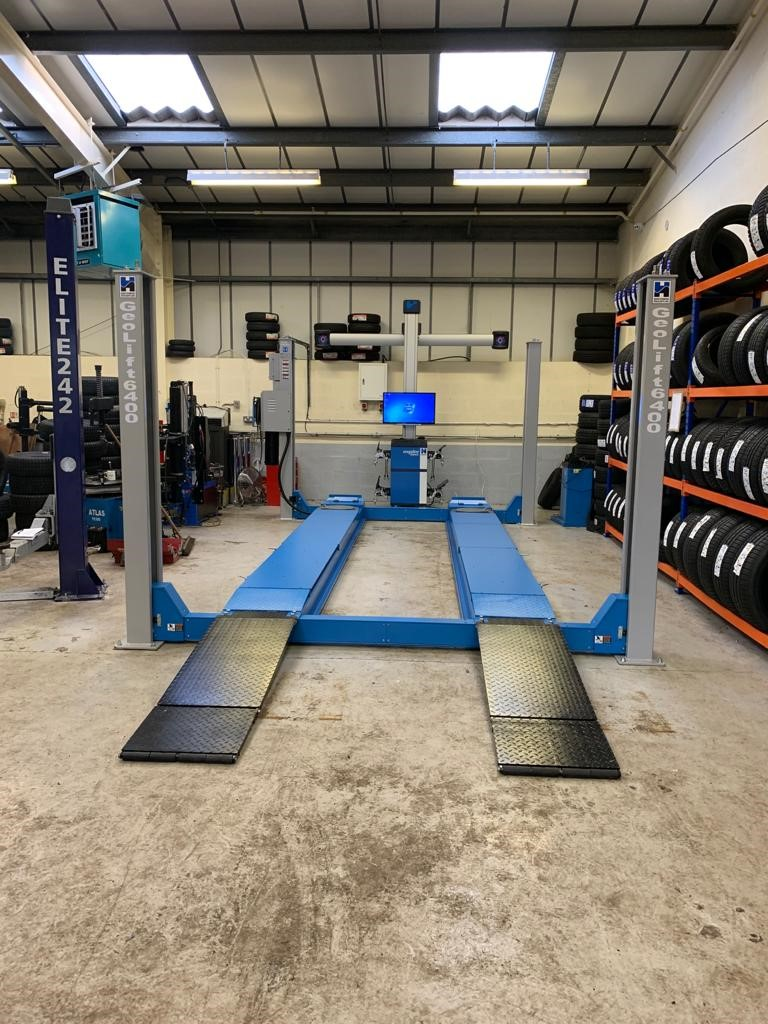 Our expert installation engineers from Garage Assist & Hofmann Megaplan, combined to produce a slick wheel alignment process for HiQ Tyres & Autocare in Preston.
