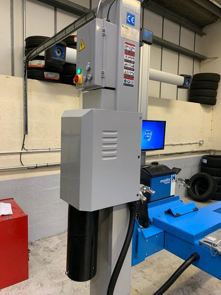 Now operational for vehicles up to 6.4 tonnes, the wheel alignment service at HiQ Tyres & Autocare in Preston is able to deal with large delivery vehicles day in day out, with the reliable Hofmann Megaplan Geolift & megaline Ssense 3D Wheel Aligner.