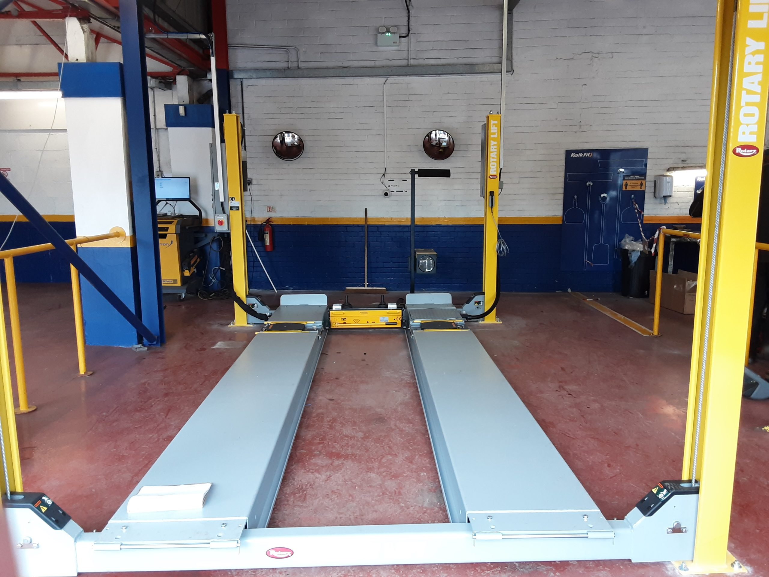 Replacing their old MOT Bay was a doddle - the new rotary MOT lift was easy to install and the team did a great job.