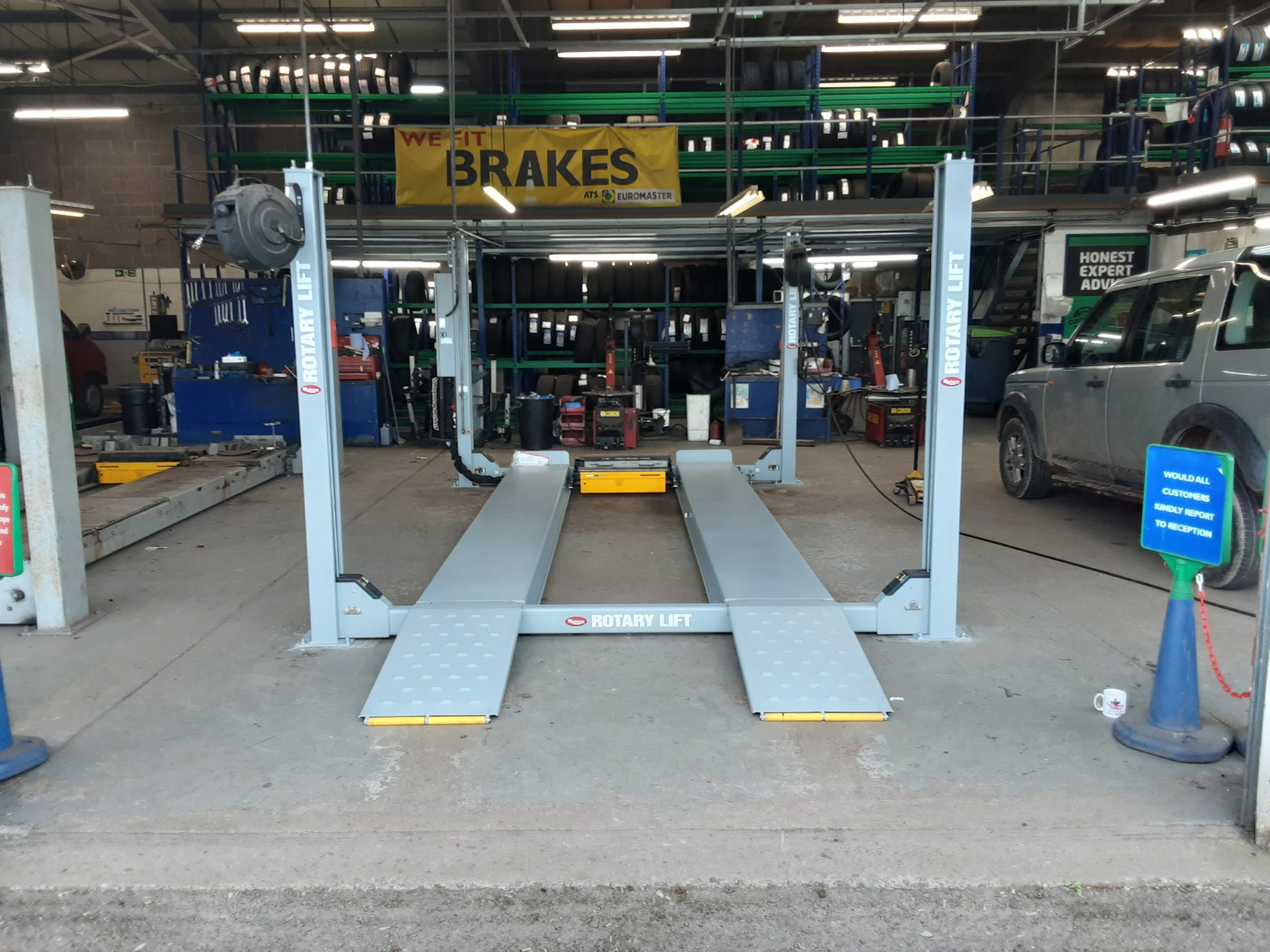 The ISN Garage Assist install team took on the removal and installation of a Rotary 4 Post Vehicle Lift at the busy ATS Euromaster Centre in Barnstaple.