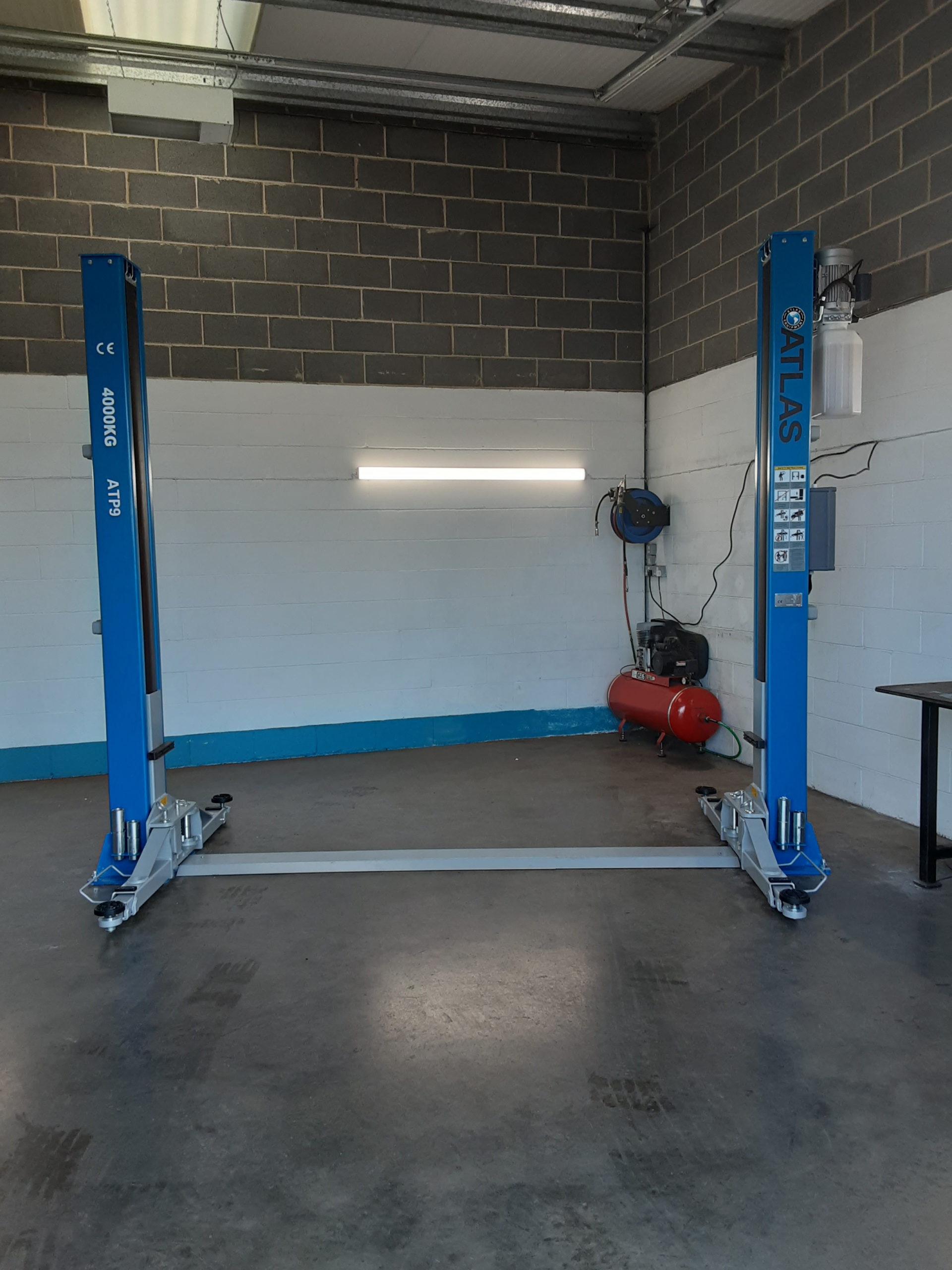 Our joint team of ISN Garage Assist and hofmann Megaplan engineers installed an Atlas ATP9 2 Post Car Lift at MMH Mobile Auto Services in Middlesborough.