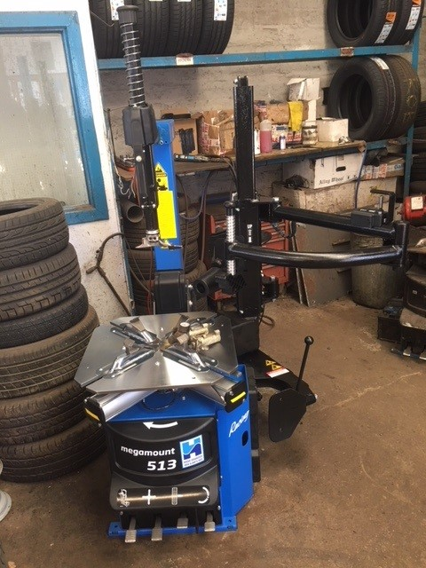 Discover the premium service of Hofmann Megaplan & the ISN Garage Assist team when you purchase a premium tyre changer from the specialists.
