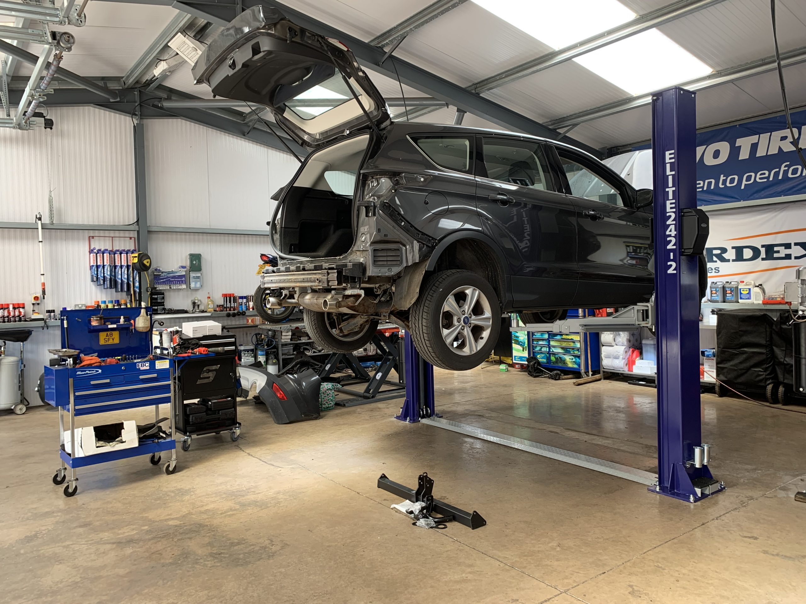 Brand new Elite Two Post Lift installed at MVT in Musselburgh, Scotland.