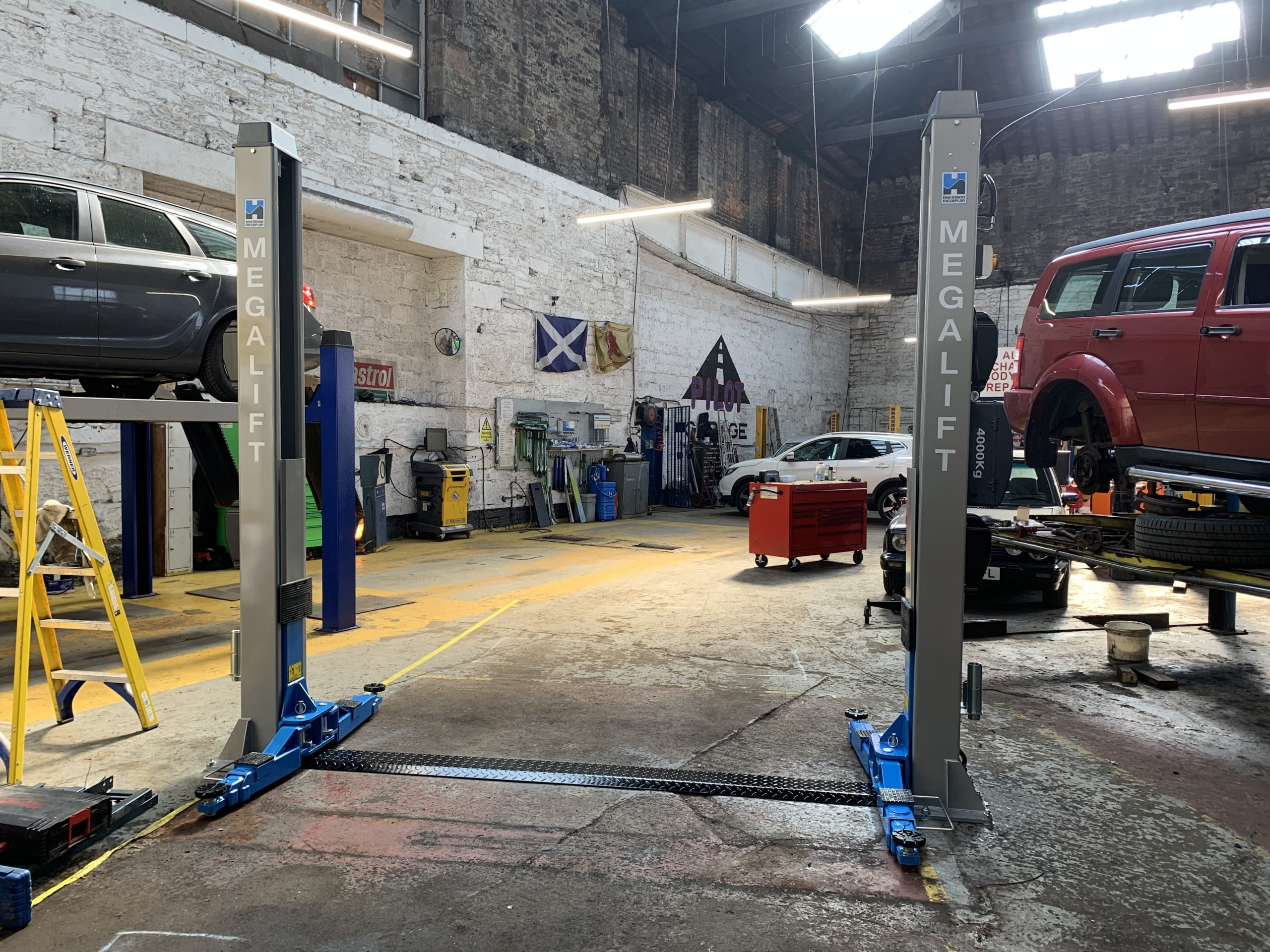 The latest megalift 4000-3 installation at the Pilot Garage in Dundee.